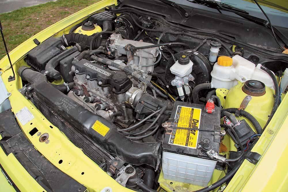 Двигатель автомобиля требует регулярной смазки