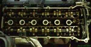 Детали двигателя в масле