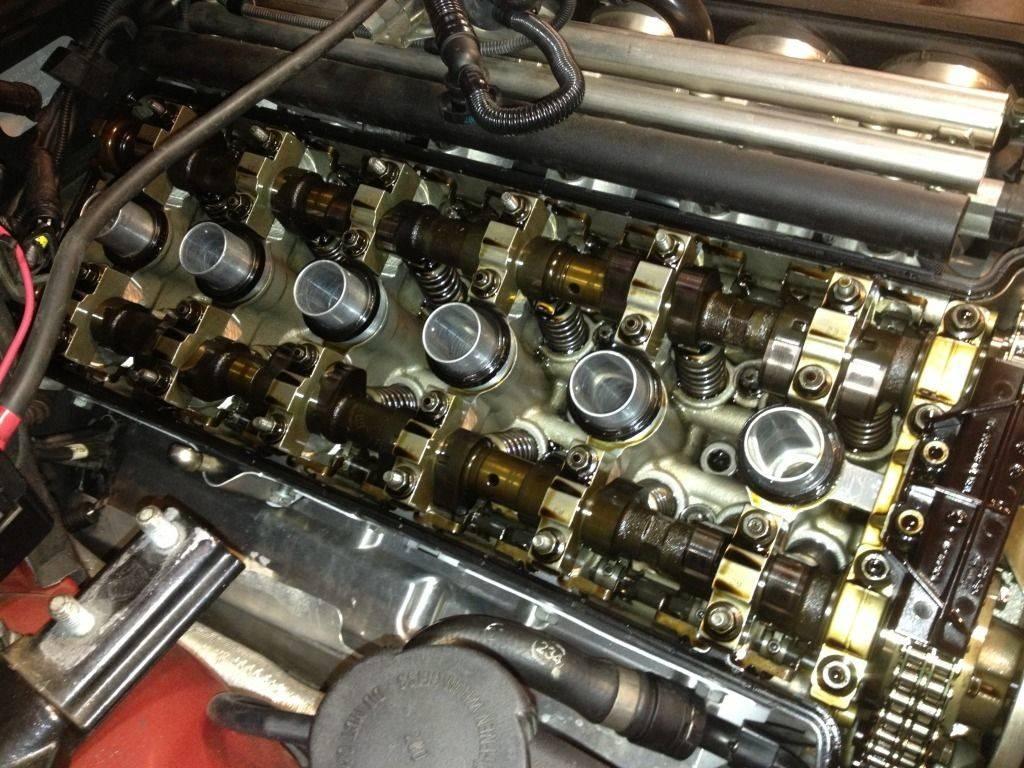 Смазка очищает мотор от отходов горения и защищает детали от изнашивания
