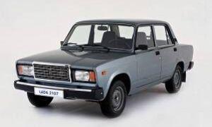 Какое масло лучше лить в двигатель автомобиля ВАЗ 2107?